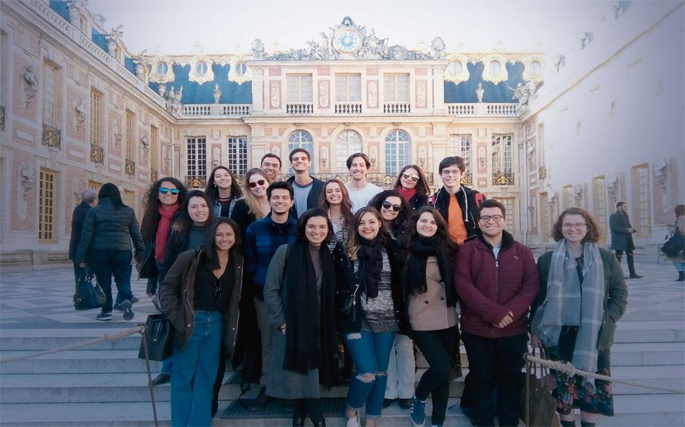 Alunos da FGV participam de curso de formação cultural em Paris