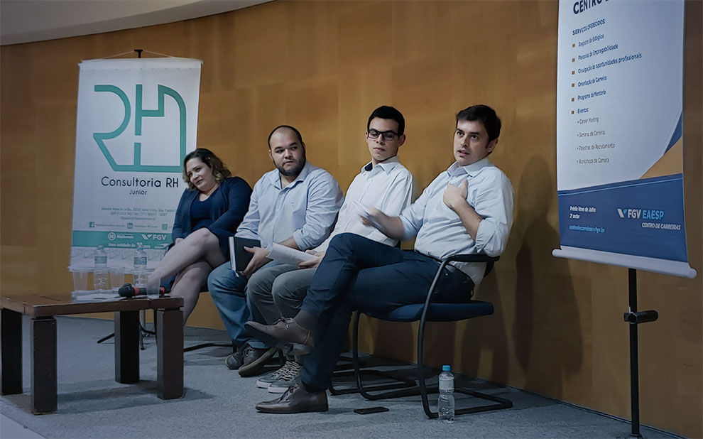 Career Week promotes debate with professionals from several segments in Sao Paulo