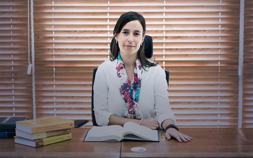 Professora ganha bolsa Capes/Humboldt para desenvolver pesquisa na Alemanha