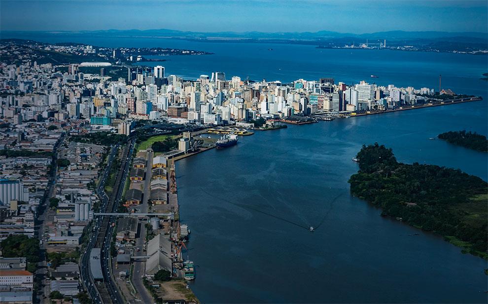 Governador do Rio Grande do Sul fala sobre processo de reabertura da economia do estado em webinar