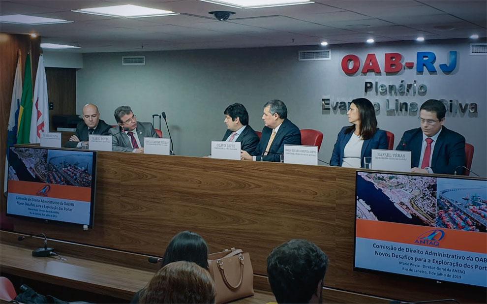 Especialistas debatem leilões do setor portuário
