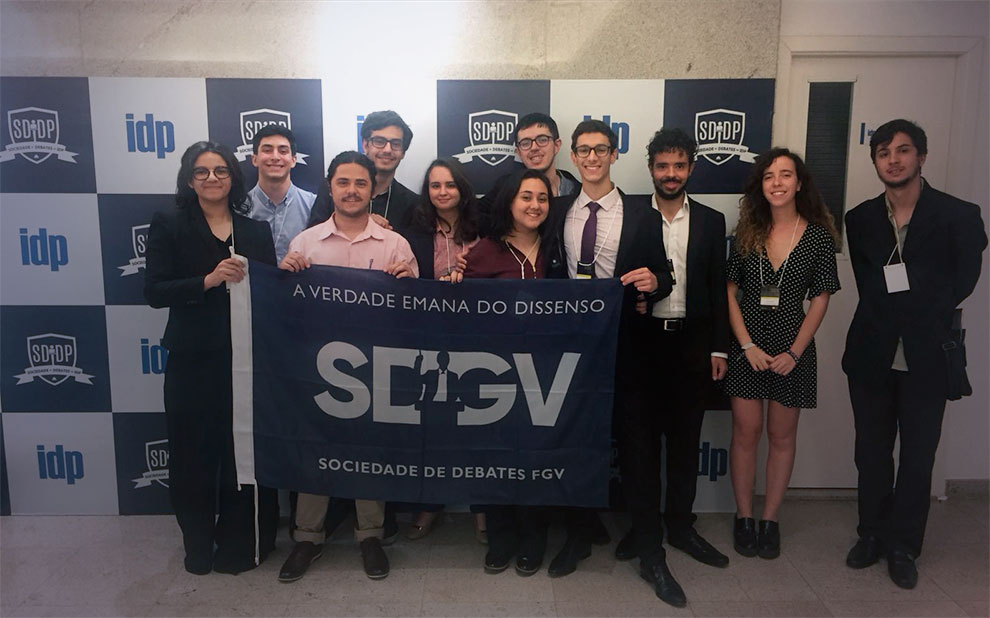 FGV students are runners-up in 5th Brazilian Debates Championship