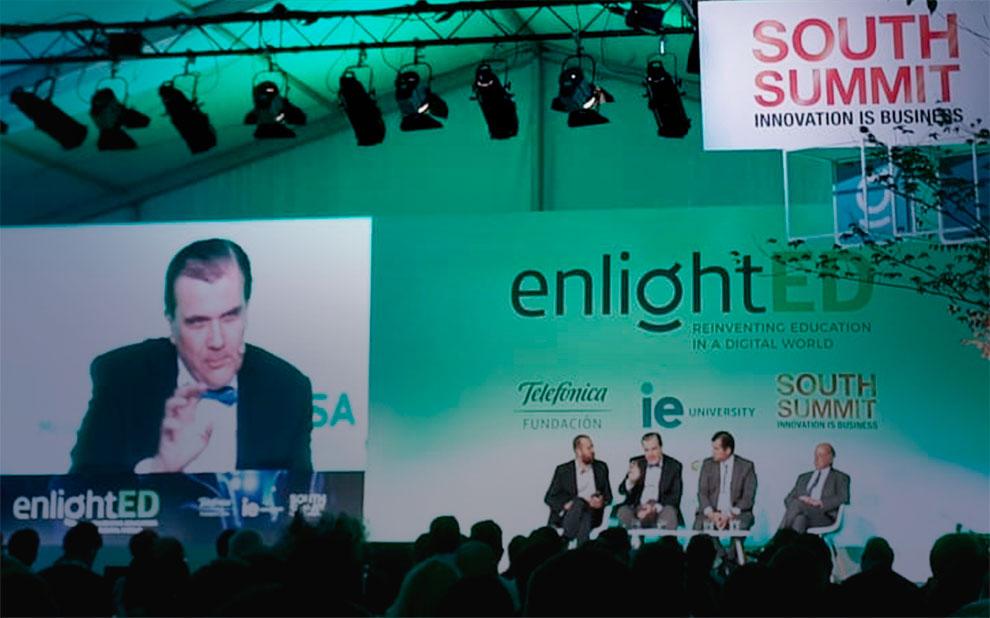 Conferência Mundial debate maneiras de reinventar a educação na era digital