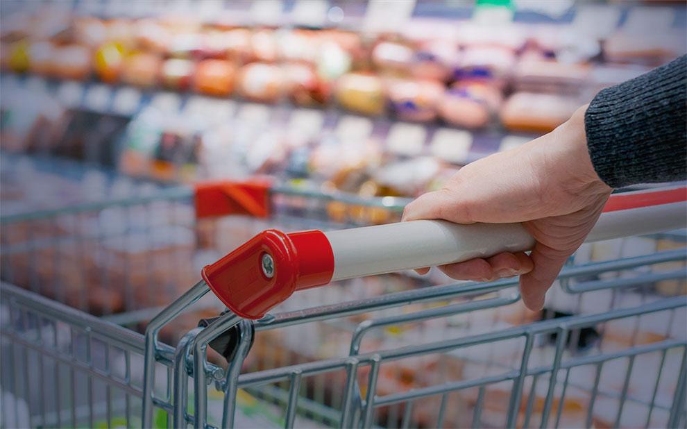 Confiança do consumidor avança em outubro