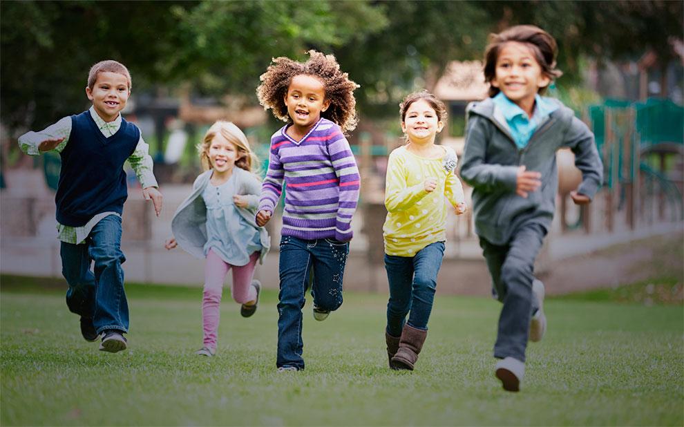 Dia das Crianças: serviços e presentes sobem pouco e devem fazer a alegria dos pais