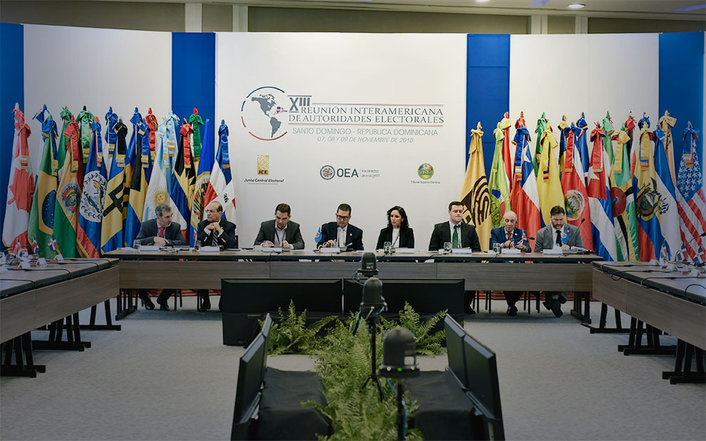 Digital Democracy Room results are presented to the OAS