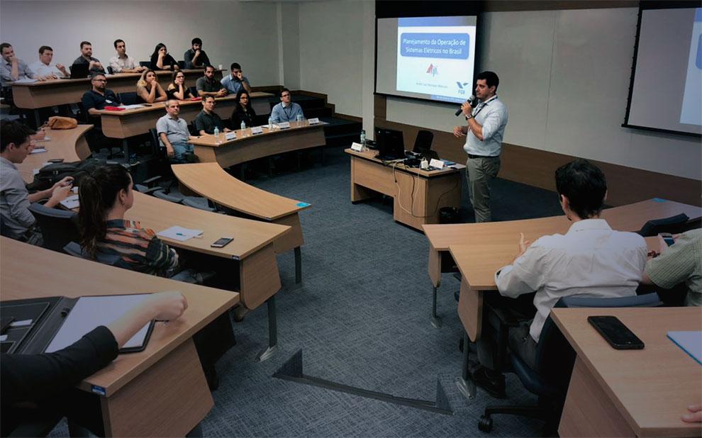 Seminar debates optimization and statistics applied to Brazilian Electricity Sector