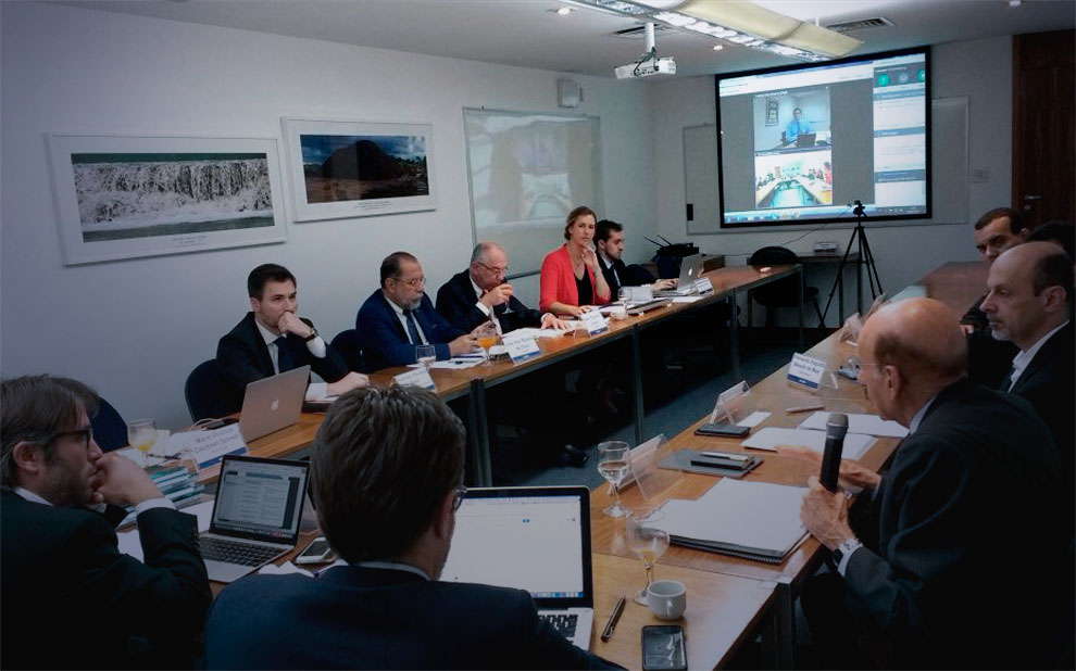 Meeting proposes definition of principles to eradicate corruption in state-owned enterprises
