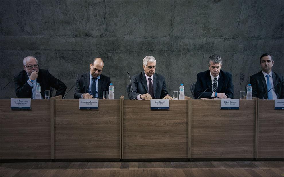 Debate sobre produtividade reúne autoridades e especialistas na FGV