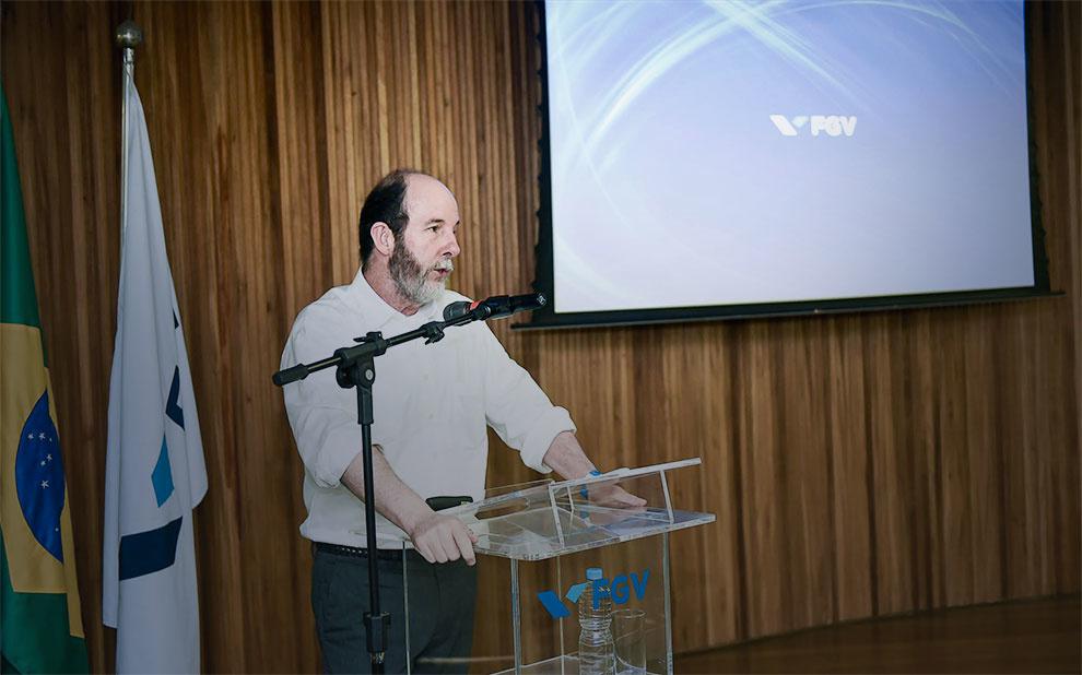 Ex-presidente do BC, Armínio Fraga palestra sobre economia brasileira na FGV