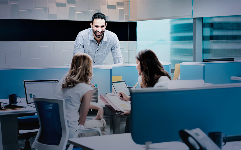 Specialist presents possibilities for professionals to excel at work and be happy