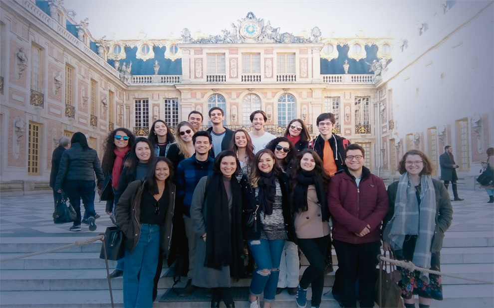 FGV students attend cultural training course in Paris