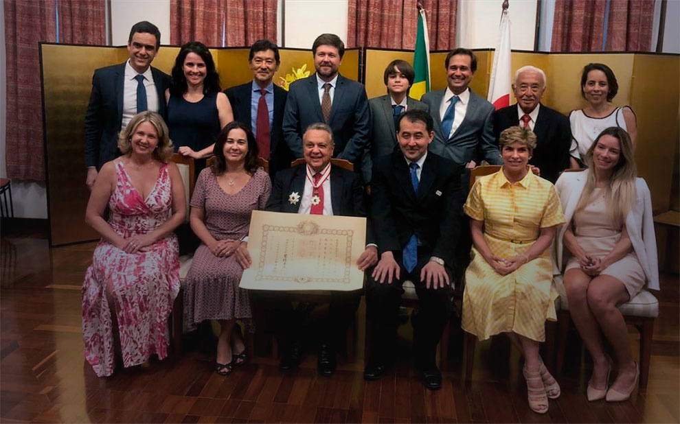 Professor Roberto Rodrigues é condecorado por contribuição à relação agrícola entre Japão e Brasil