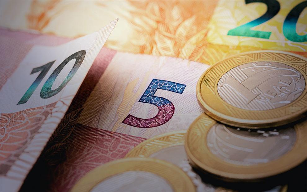 Inflação para famílias de baixa renda avança e permanece acima do IPC-BR em março de 2020
