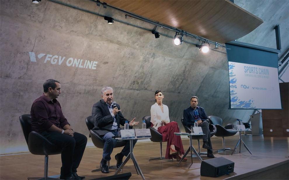 Former Brazilian soccer champions participate in pre-World Cup seminar at FGV