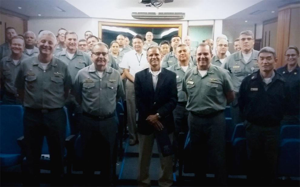 Palestra discute paradoxos da sociedade contemporânea no Estado-Maior da Armada