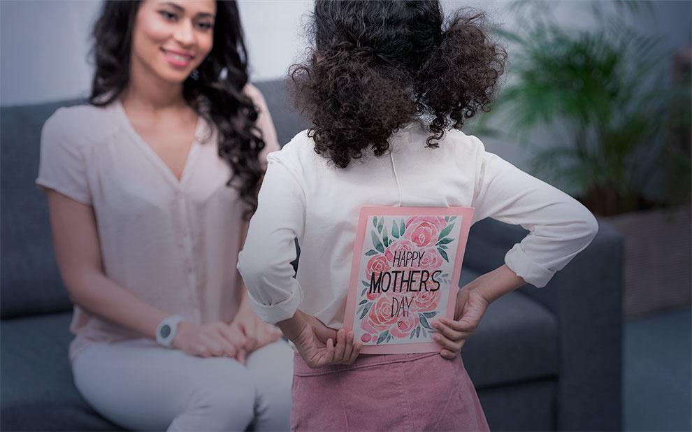 Dia das mães: Consumidores pretendem gastar menos com presentes, aponta FGV IBRE