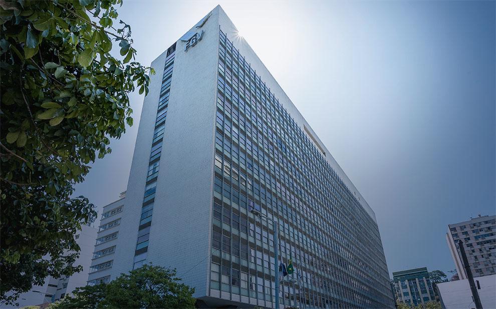 FGV oferece 146 vagas no segundo semestre para transferência e reingresso