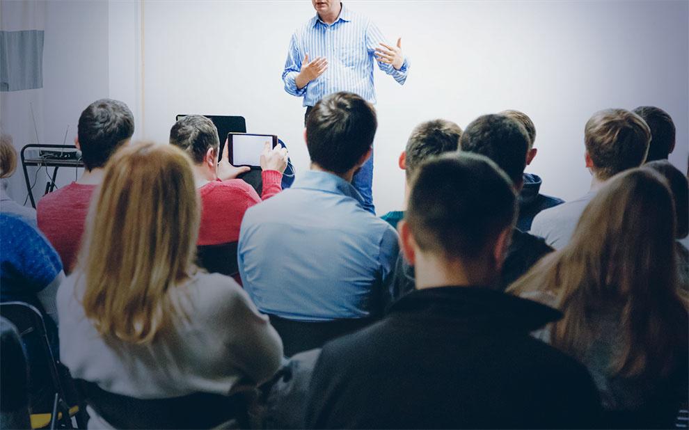 Profissionais de Relações Internacionais compartilham experiências com alunos da FGV