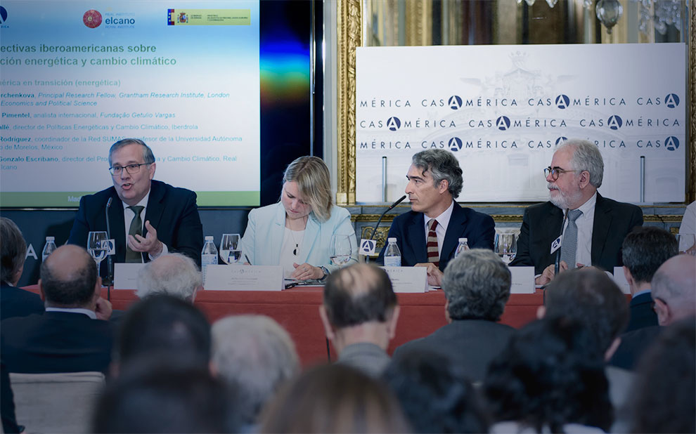 Experts discuss solutions for energy transition in Ibero-American countries
