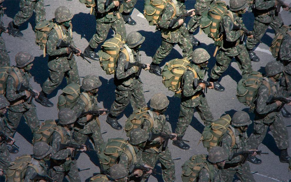 Comitê Internacional pesquisa sobre forças armadas e resolução de conflitos