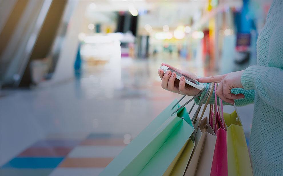Confiança do Consumidor recua em julho e se mantém em um dos níveis mais baixos da série histórica