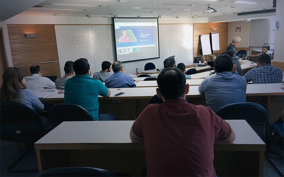 FGV recebe alunos do curso de gestão esportiva do Peru