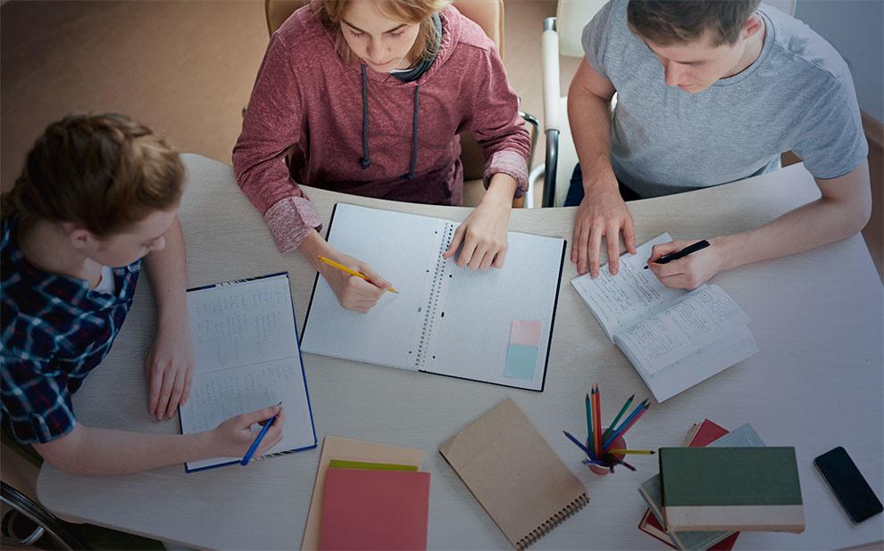 FGV e Itaú Social fazem parceria para proporcionar informações sobre gestão escolar