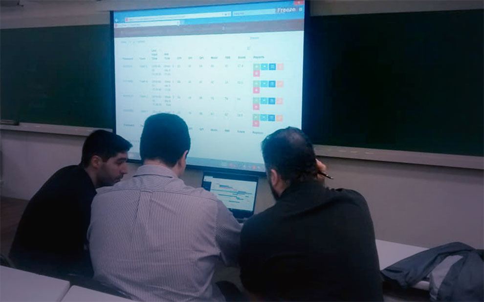 Business game brings students closer to practice in project management