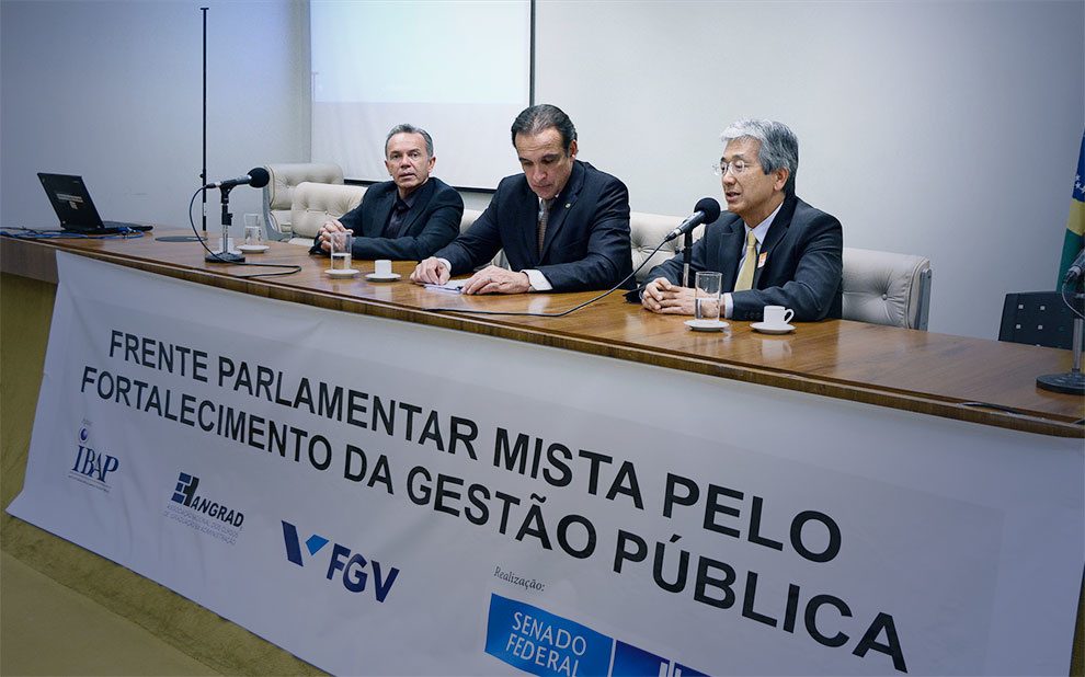 Solenidade no Congresso Nacional marca lançamento de Frente Parlamentar pelo Fortalecimento da Gestão Pública