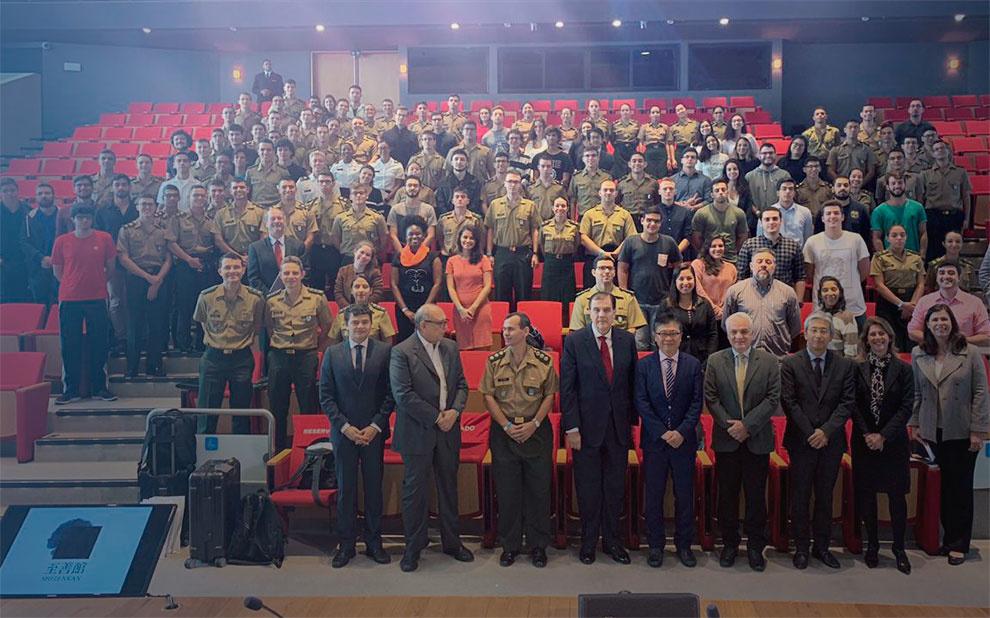 Convidado internacional palestra sobre formação de lideranças empresariais e do terceiro setor