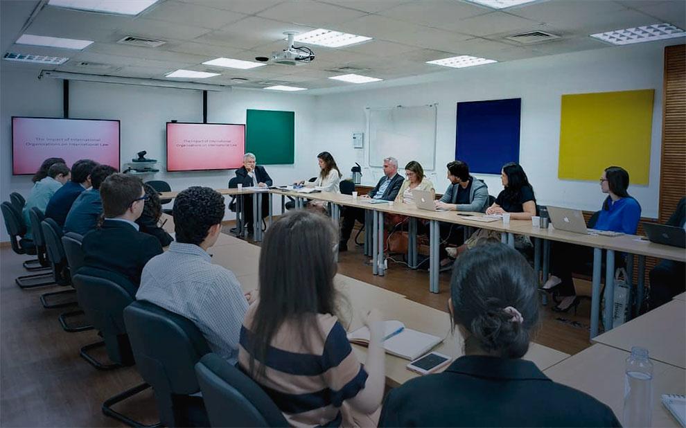 Cátedra Jean Monnet: Convidado palestra sobre impacto das organizações no Direito Internacional