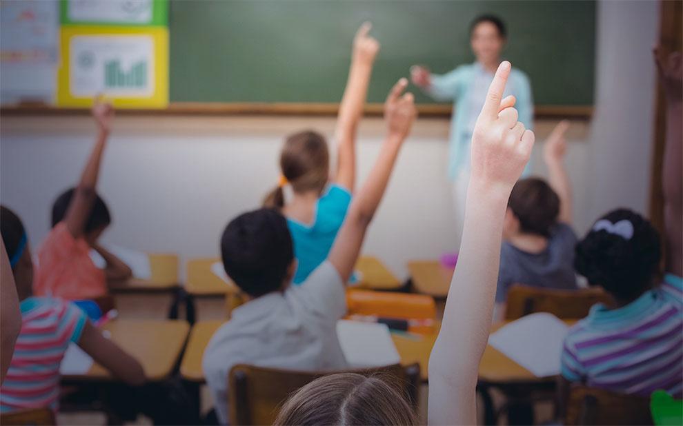 Seminário discute como construir currículo alinhado à BNCC e fazê-lo chegar às salas de aula do Rio de Janeiro