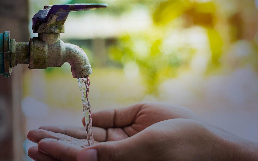 Estudo sobre efetividade do programa 'Água para todos' é apresentado em evento sobre democracia e gestão pública