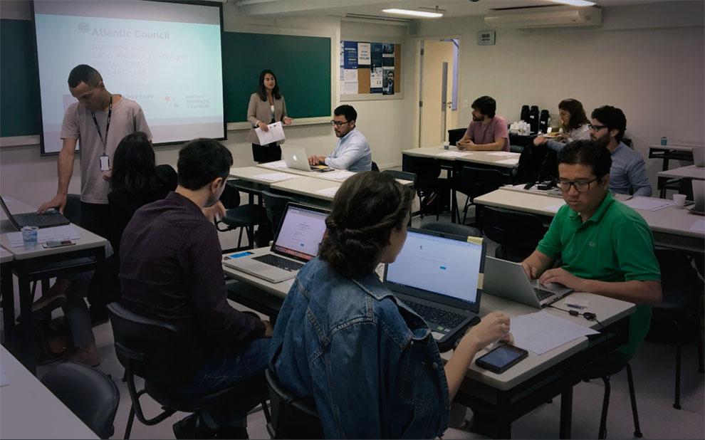 Workshop aborda estratégias de combate à desinformação nas eleições