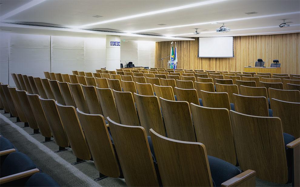 Solenidade marca posse de novos acadêmicos e dos Conselhos Diretor e Fiscal da ABCA