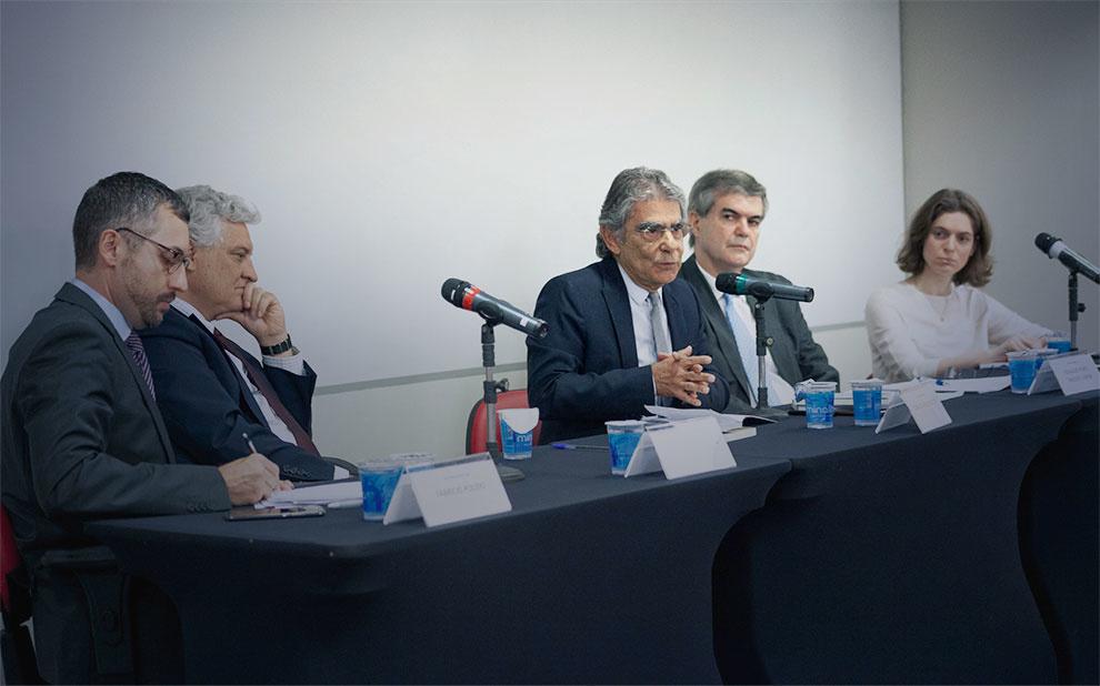 Em palestra na FGV, Ayres Britto defende que remoção de conteúdo na internet deve obedecer ritos constitucionais