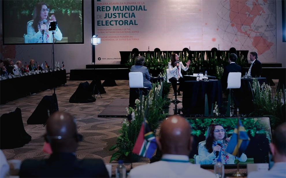 Rede Mundial de Justiça Eleitoral reúne especialistas para discutir desafios das democracias contemporâneas