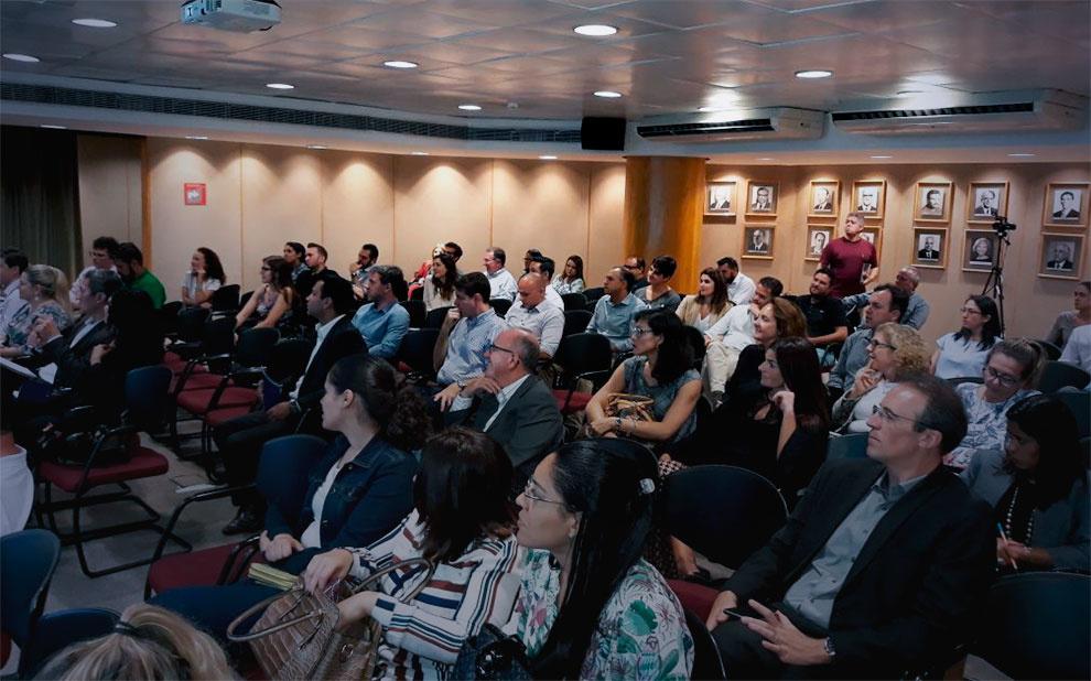 Governança corporativa é decisiva para sucesso do negócio, explica fundador do IBGC em palestra na FGV