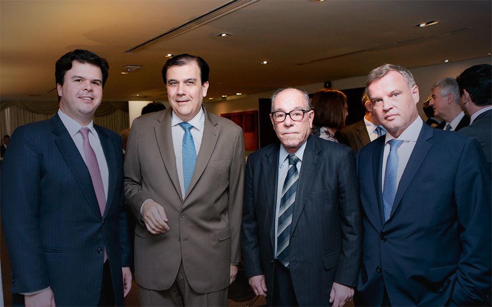 Líderes do setor energético reúnem-se para almoço de despedida do Ministro de Minas e Energia