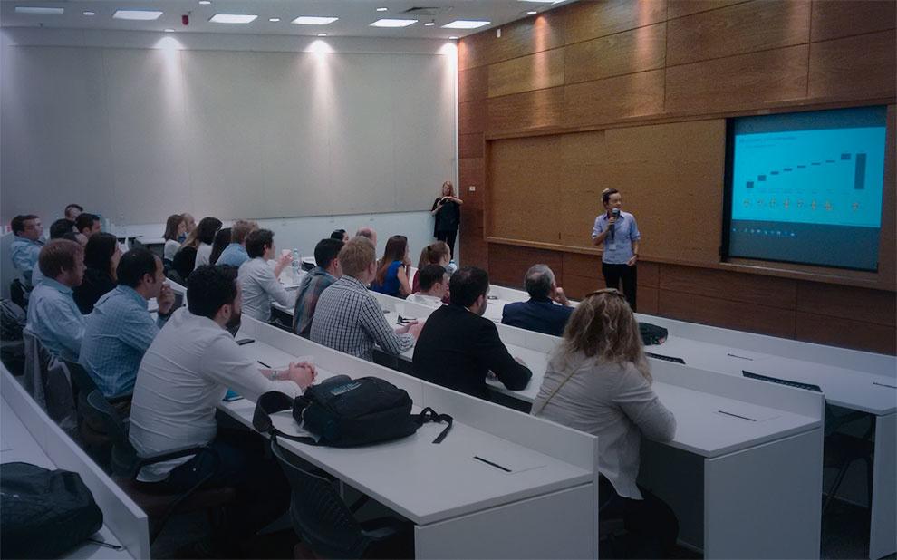 Alunos de Escola de Negócios da Espanha participam de intercâmbio na FGV
