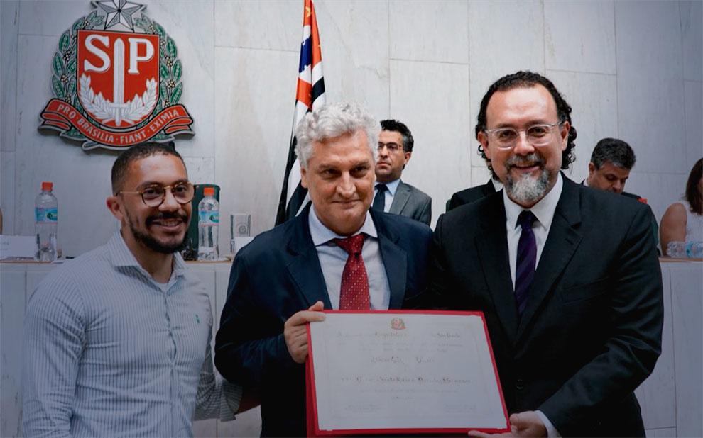 Diretor da Direito SP recebe prêmio de Direitos Humanos da Assembleia Legislativa de São Paulo