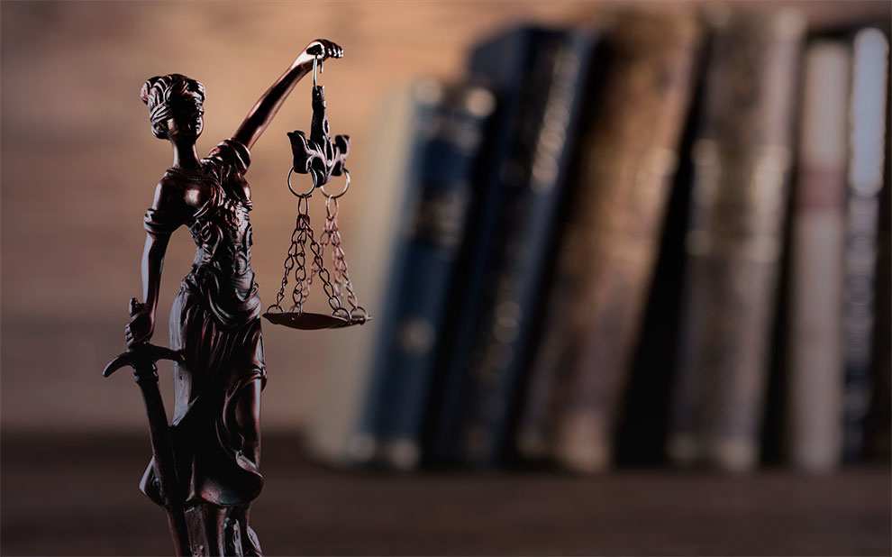 Novo livro de Roberto Mangabeira Unger debate estudos críticos do Direito nos tempos atuais