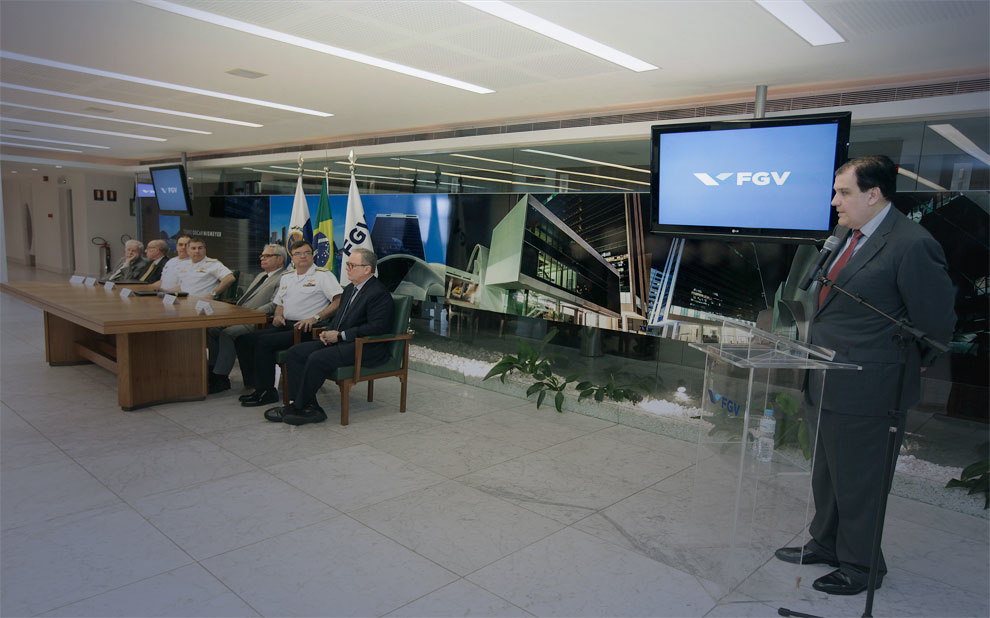 Ceremony formalizes partnership between FGV and Brazilian Navy