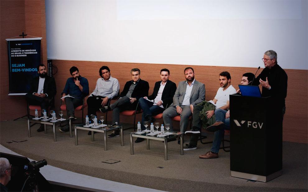FGV Management debate ambiente de negócios no Brasil e tendências de E-Business