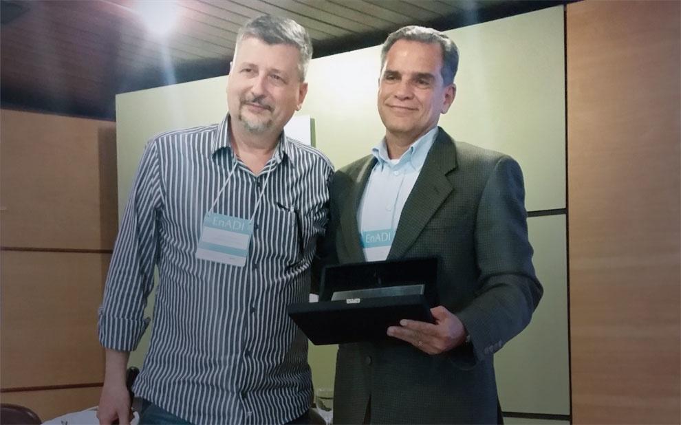 Professor da EBAPE recebe prêmio da ANPAD por contribuição na área de Administração da Informação