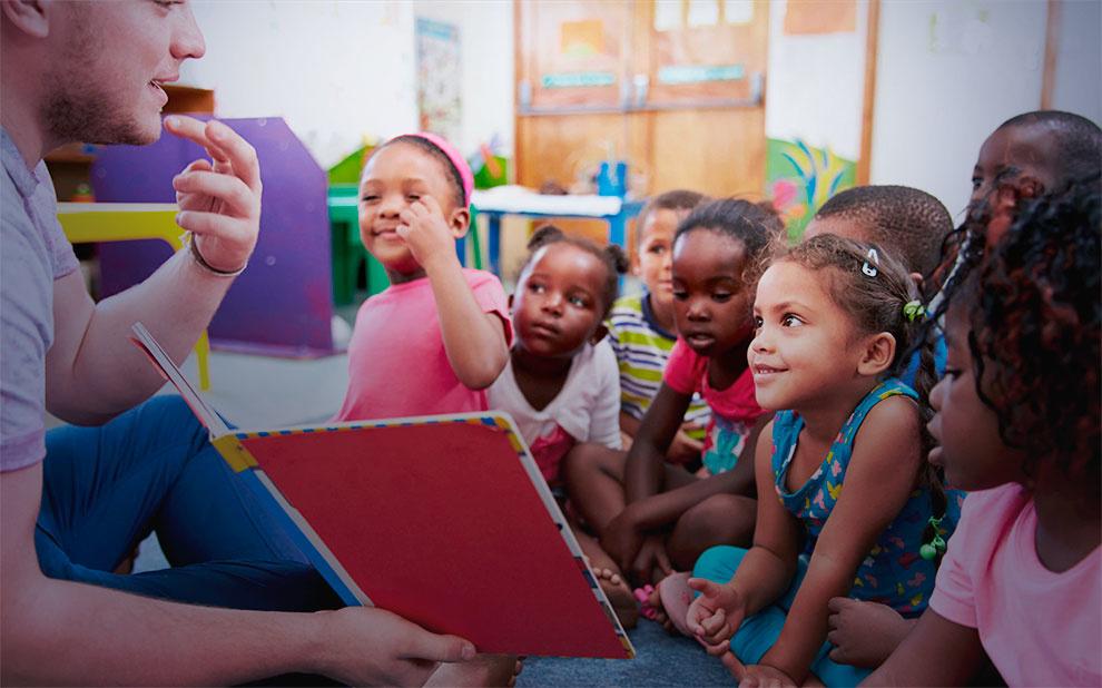 Evento debate formação de professores na educação infantil