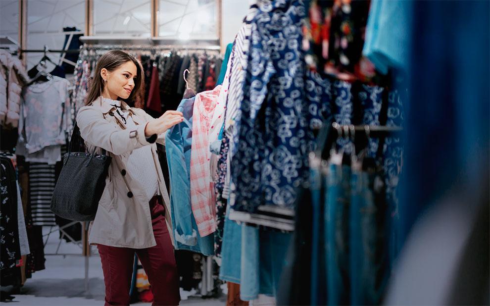 Confiança do Consumidor sobe e retorna ao nível anterior à crise política