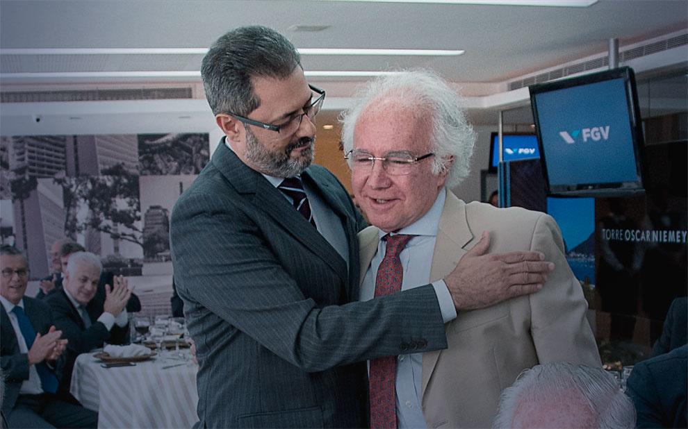 Evento em homenagem a Joaquim Falcão marca transmissão de cargo para novo diretor da Direito Rio