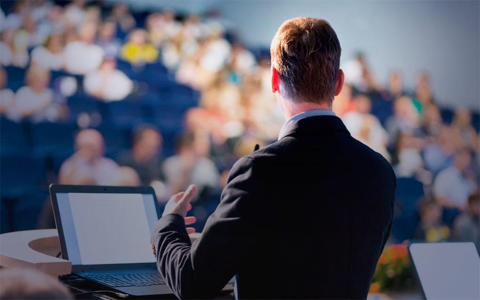 Convidado Internacional palestra sobre comércio e desenvolvimento industrial